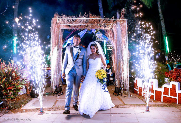 Top wedding entrance decor ideas and photos whimsical grandeur ingress of sumptuous christian bridegroom junglespirit Choice Image