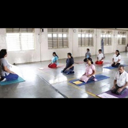 Fitbit yoga classes