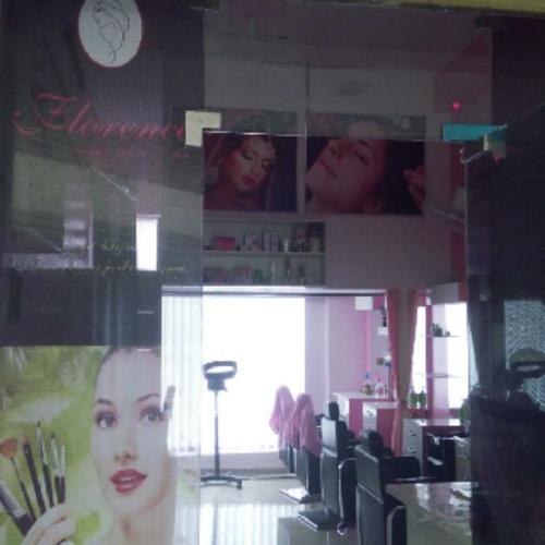Florence Unisex Salon