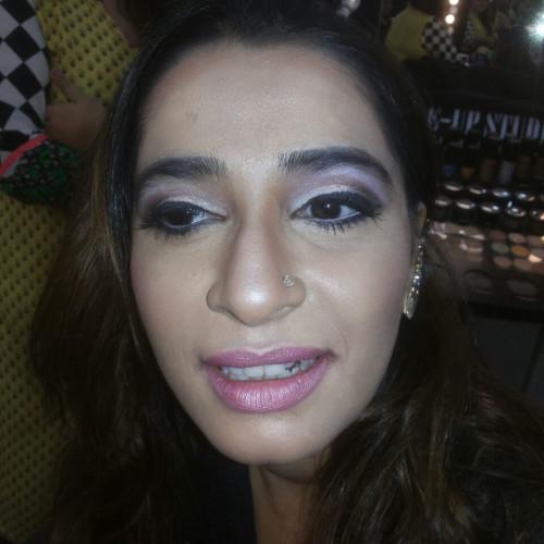 Lakhani Farnaz