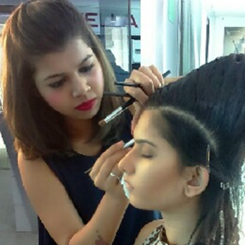 Pallash Professional Makeup Artist