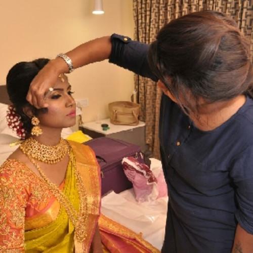 Makeup Artist Jaanu