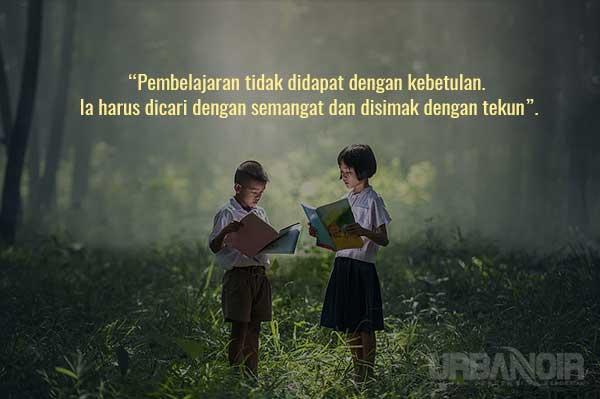 Pengajaran yang baik itu hakikatnya adalah memberikan pertanyaan yang benar lebih daripada memberikan jawaban yang benar