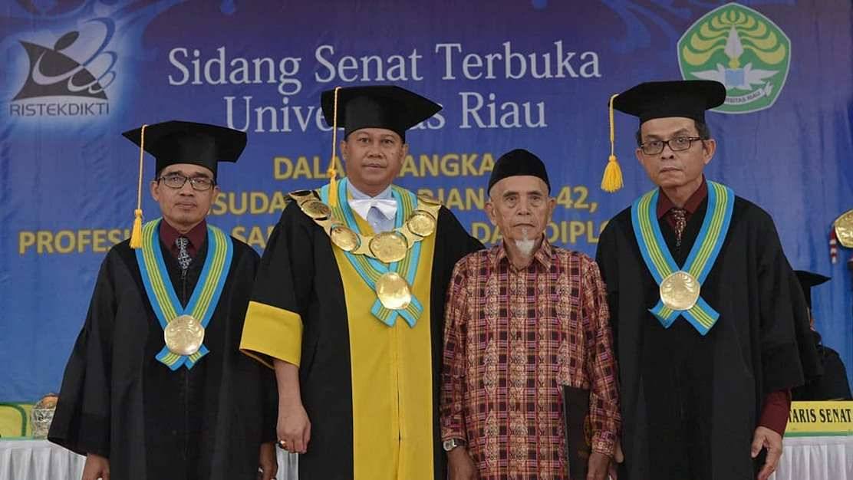 momen photo bersama via Instagram Humas Universitas Riau