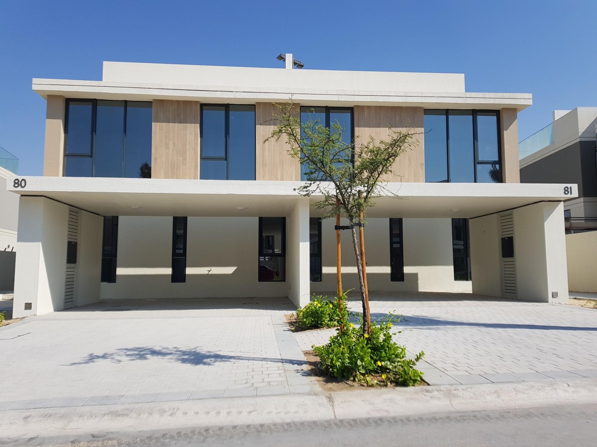 Resort Type Club Villas/3BR+Maids + Sky Terrace