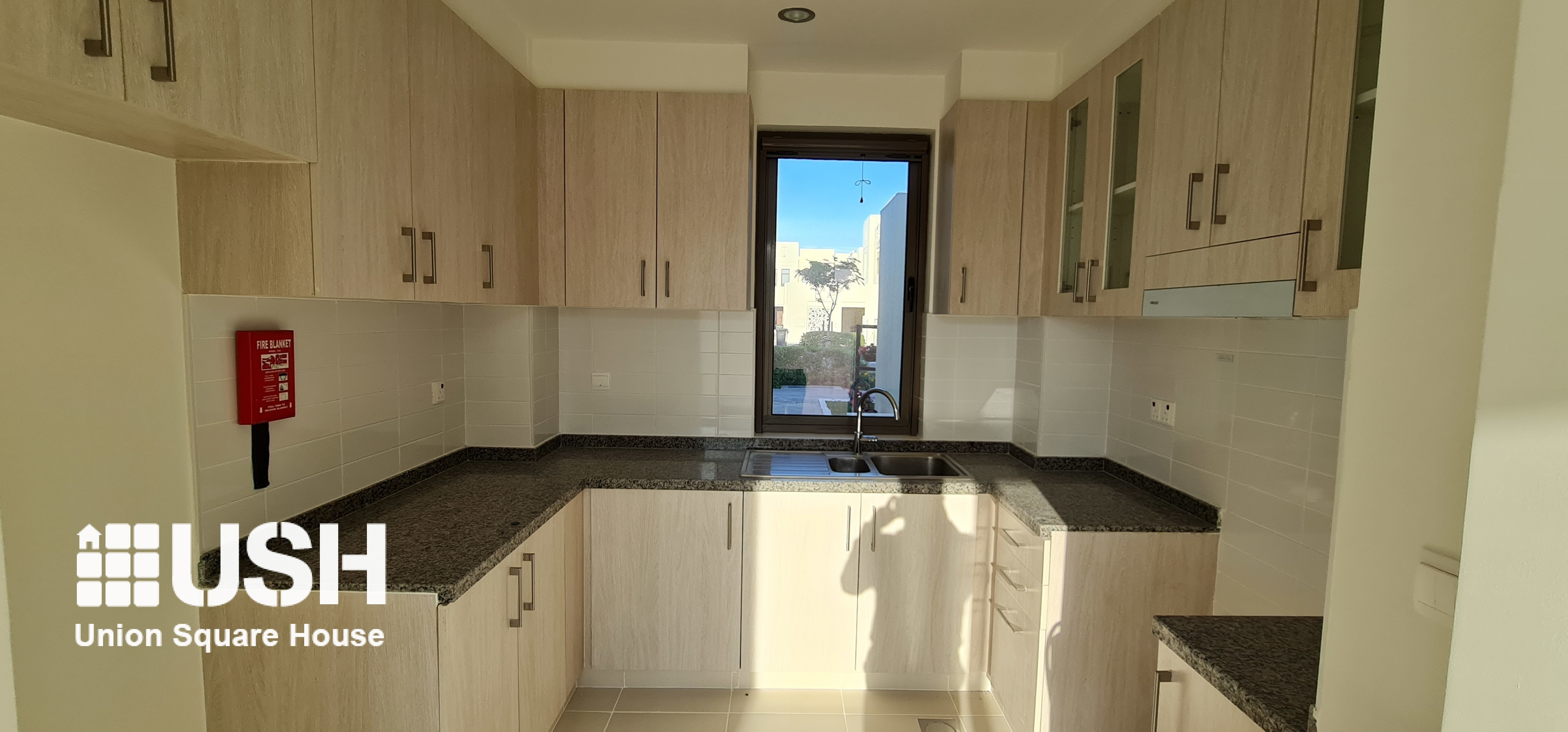 Single Row on Park | Valued Investment | 3 BR MIRA