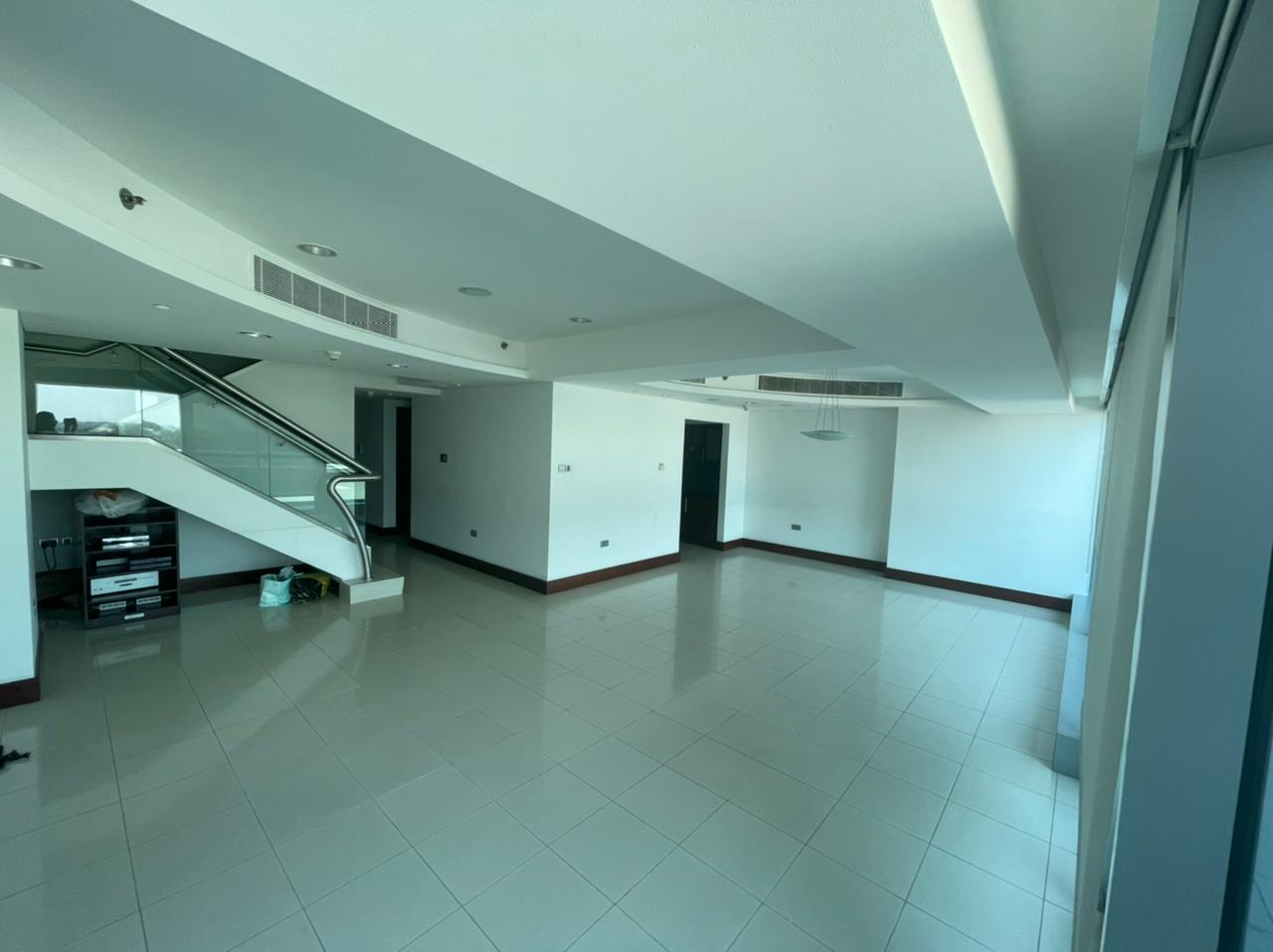 ELEGANT 4BEDROOM DUPLEX VACANT IN JUMEIRAH LIVING