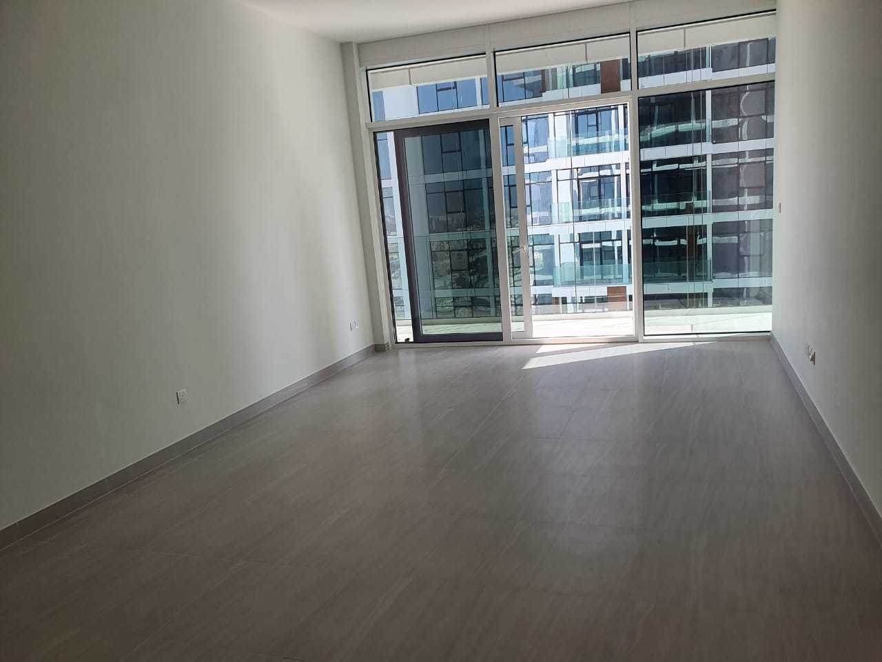 SPACIOUS 3 BDR I READY FOR VIEWING AND LEASING