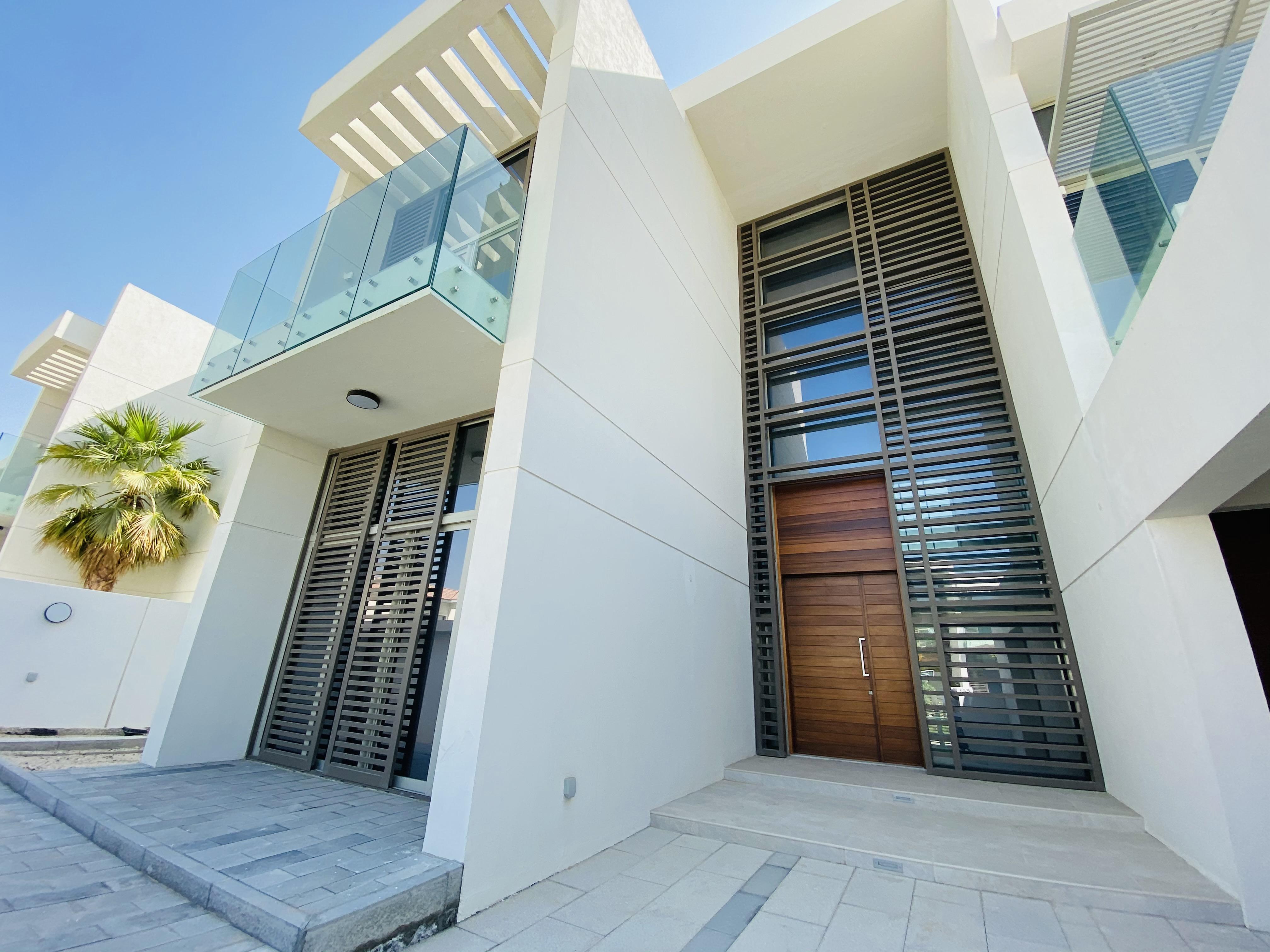 New to Market | 5 Bed Contemporary Villa