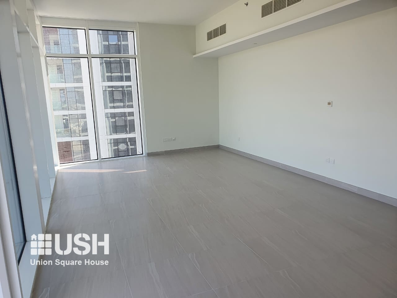 SPACIOUS 2 BDR IN PARK GATE RESIDENCES