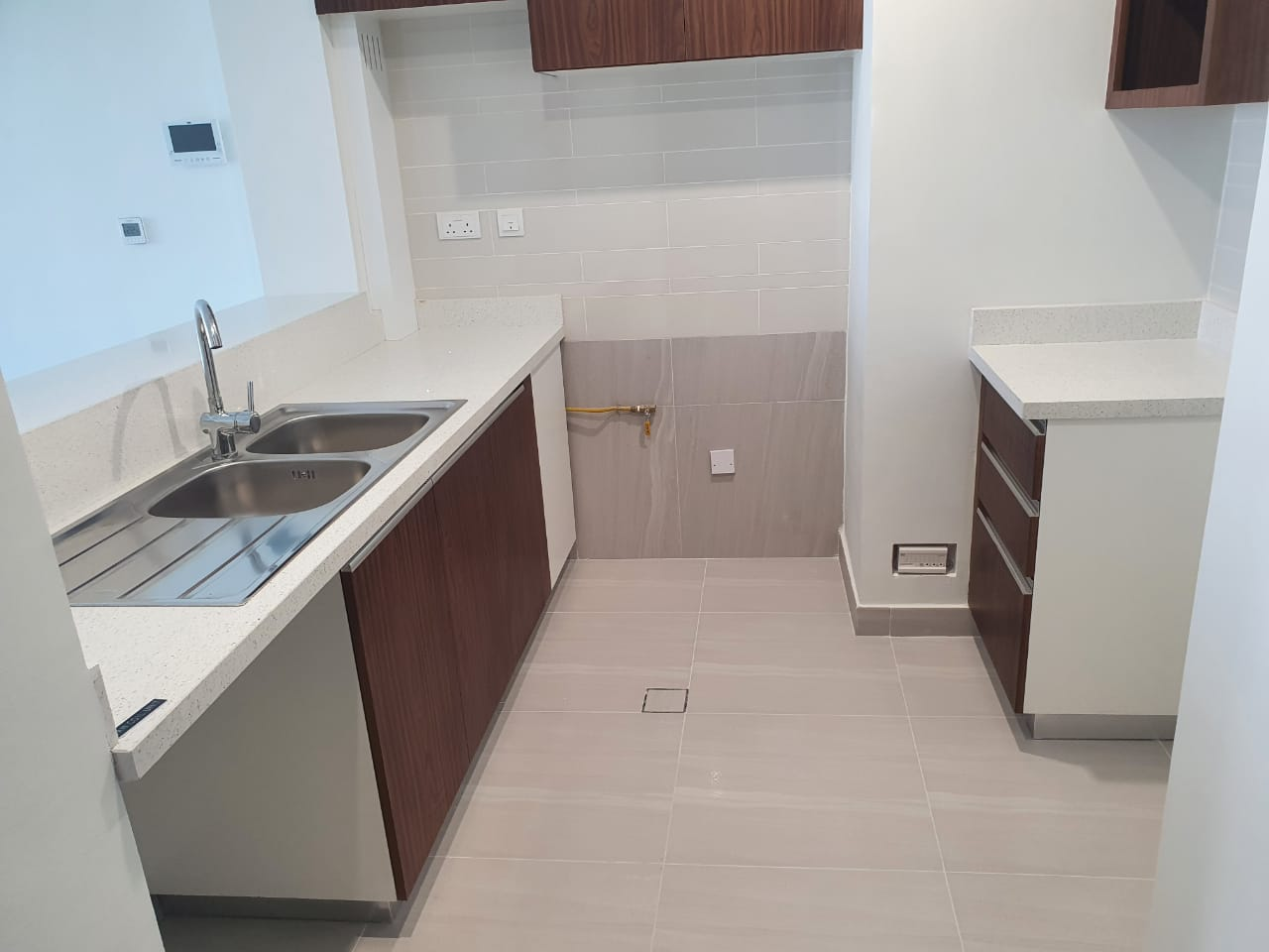 SPACIOUS 2 BDR I READY FOR VIEWING AND LEASING