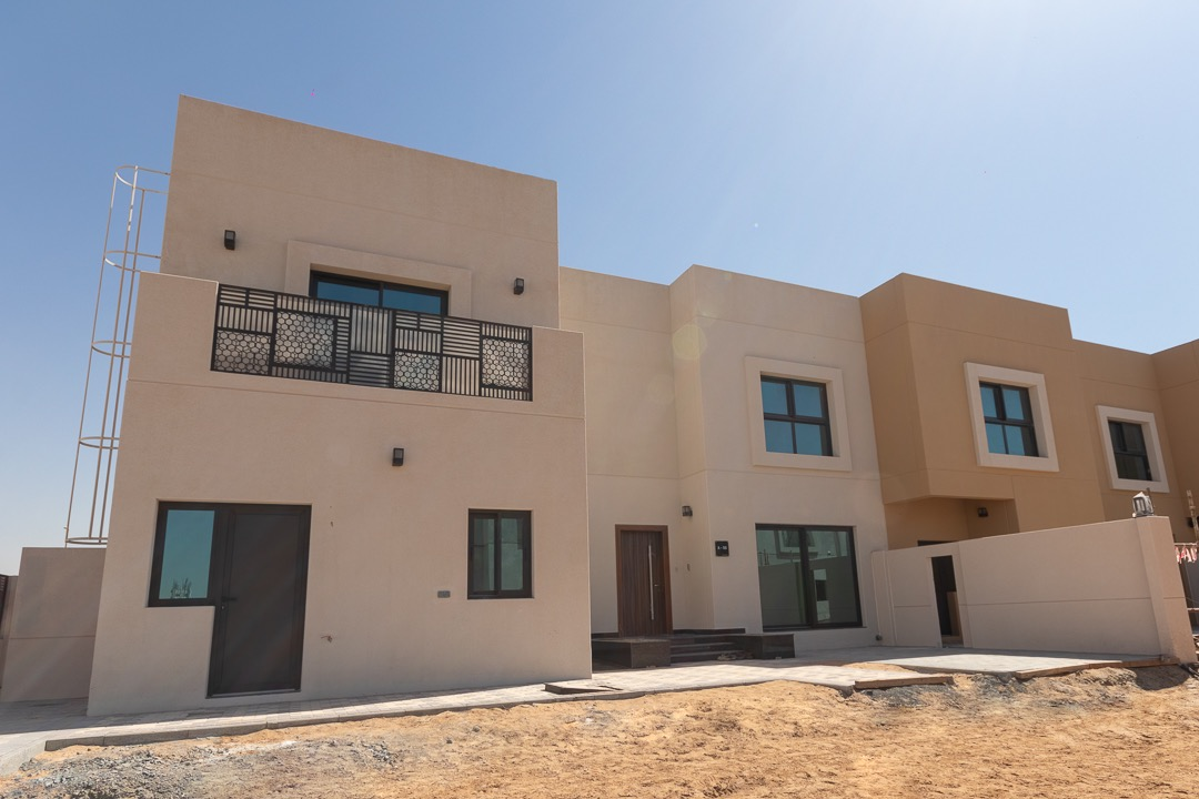 Luxurious 5 beds in Sharjah | 5 Yrs Service Free