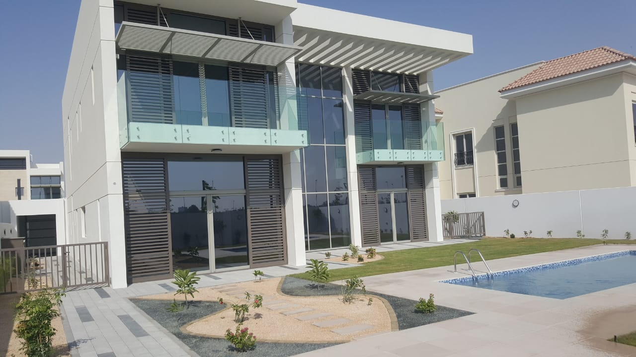 Contemporary 4 BED # GREAT DEAL # GENUINE LISTING