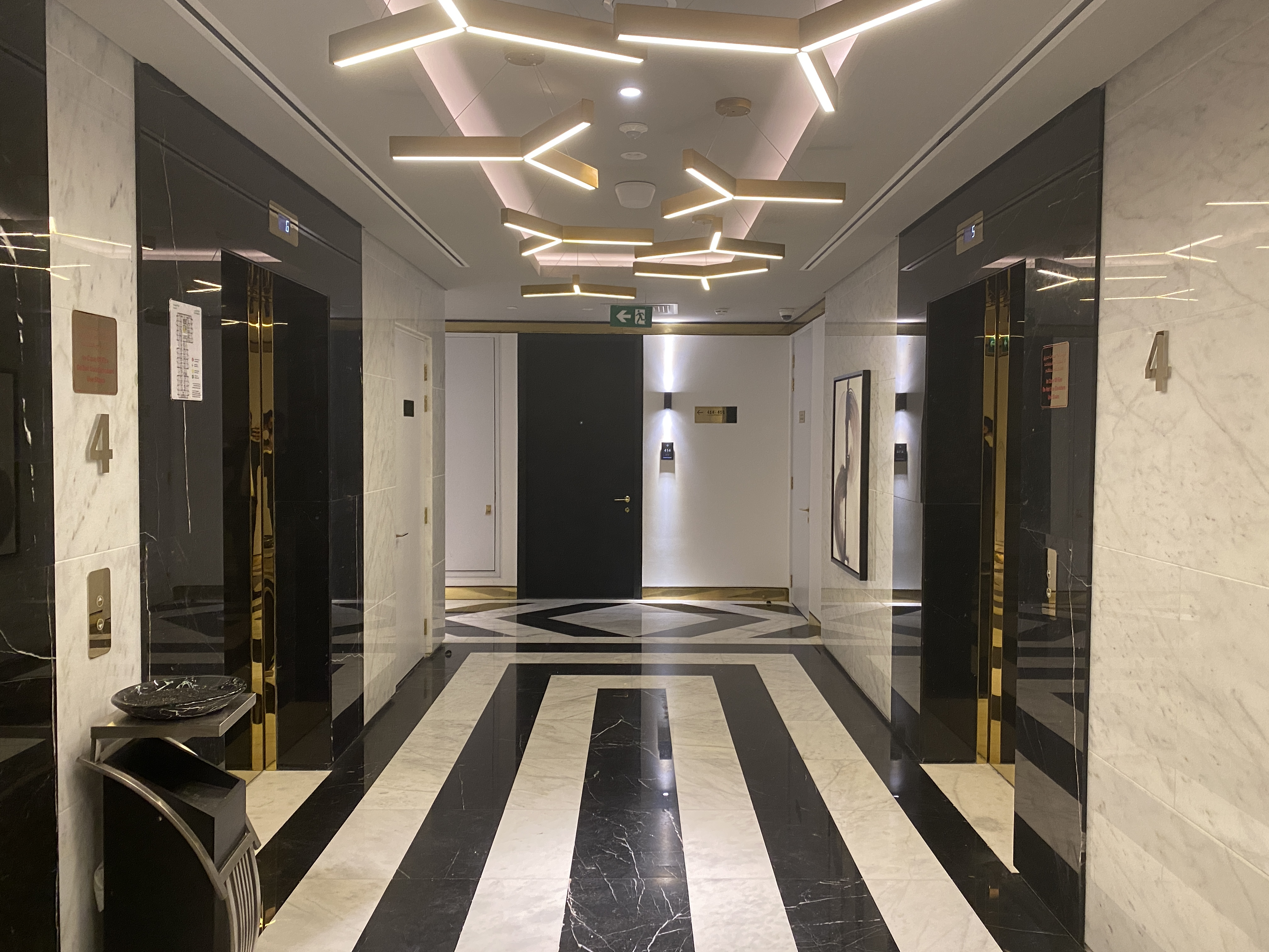 ELEGANT INTERIORS IN THE HEART OF BUSINESS BAY