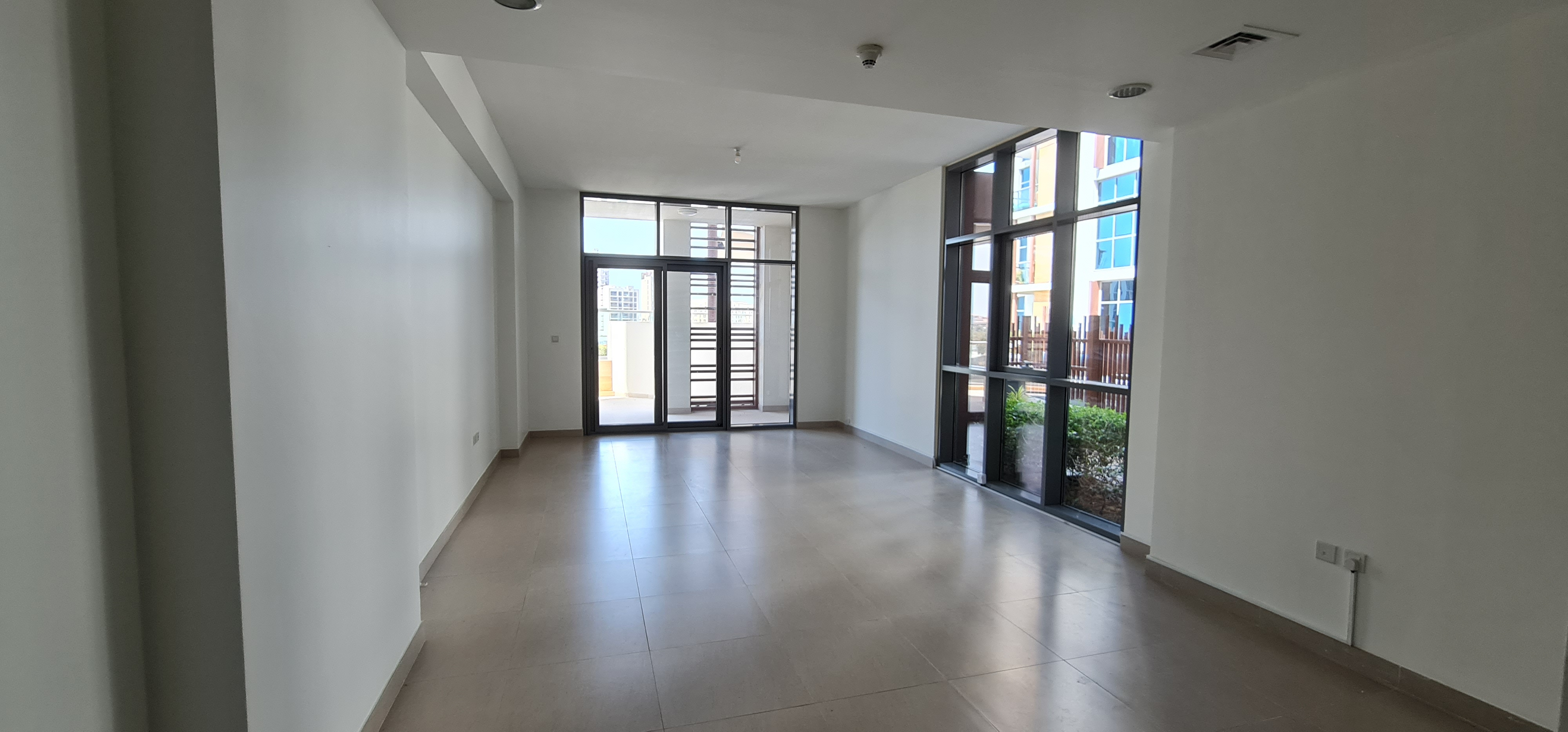3Br with Maids Terrace Apt Creek and Canal View