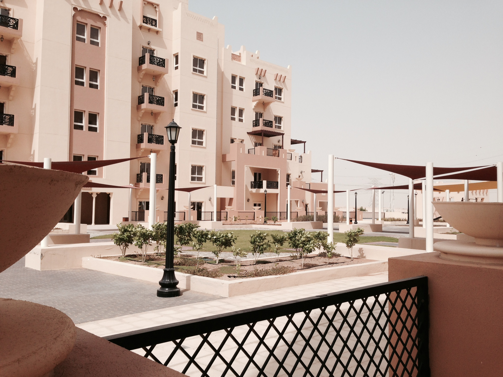 3 Beds Apt with Large Terrace on Podium.