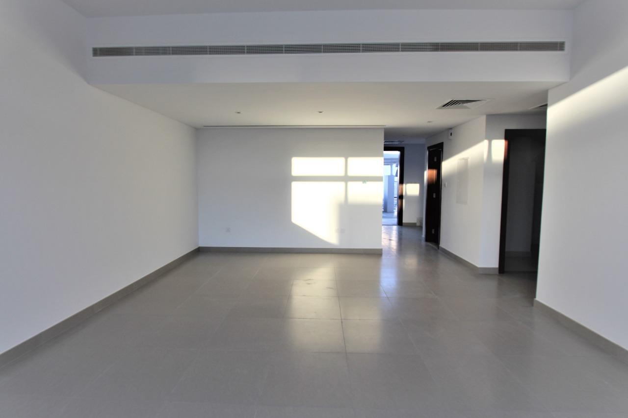 Vacant of Transfer Modern 3Br Single Row Type A