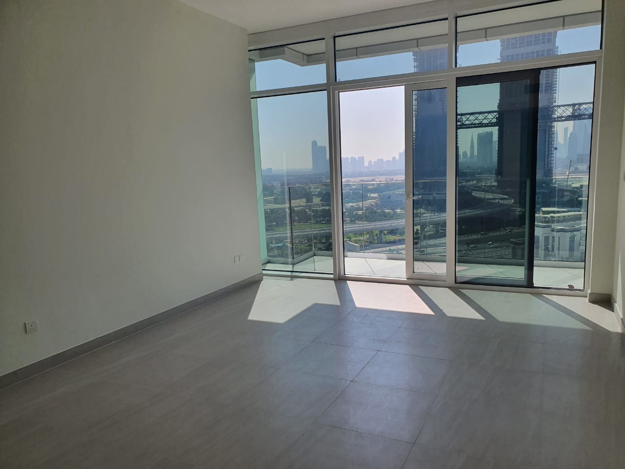 ELEGANT 1 BDR I READY FOR VIEWING AND LEASING