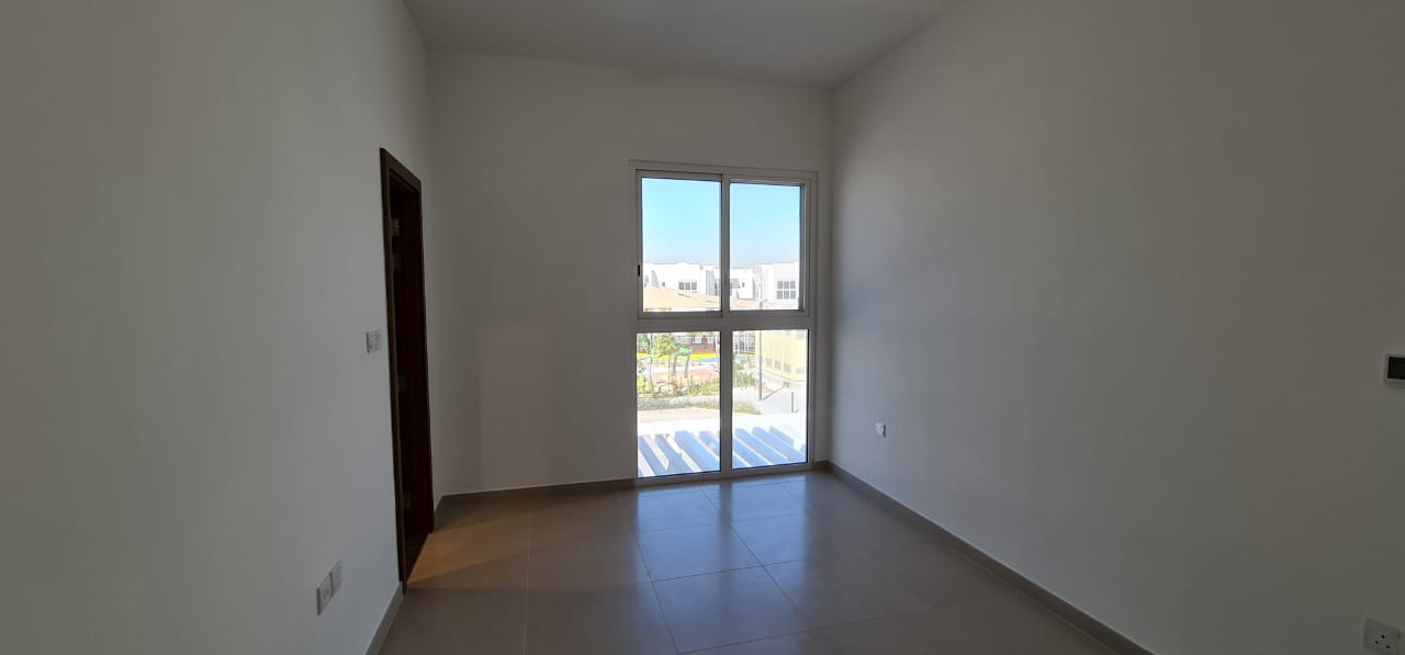 5 Yrs PHPP Brand New 3BR On The Pool and Park