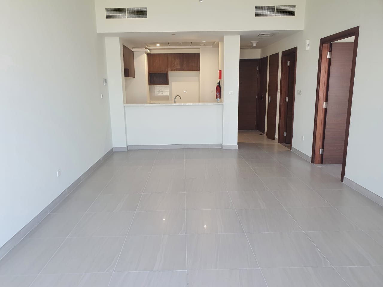 SPACIOUS 2 BDR READY FOR VIEWING & LEASING