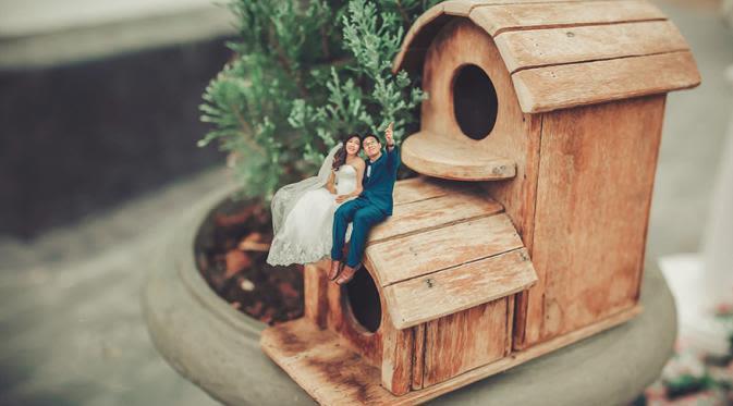 10 Foto Pre Wedding Kurcaci yang Unik dan Lucu 4