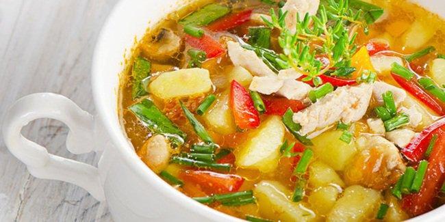 Resep Sayur Sop Ayam & Telur Dadar Daun Bawang