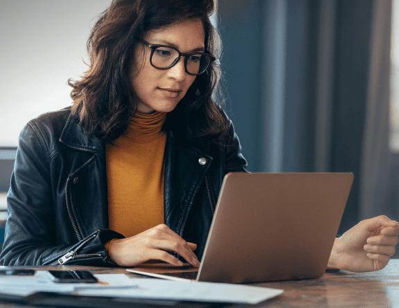 block-woman-laptop