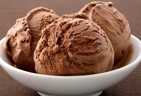 creamy-low-carb-chocolate-ice-cream