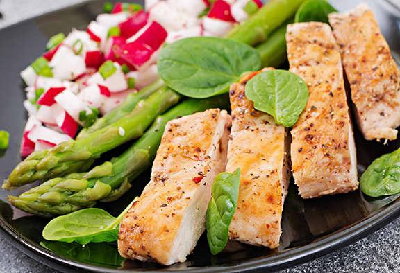 Fresh-radish-salsa-with-grilled-chicken
