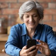 Lady-iphone-diabetes-app