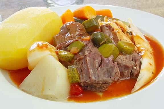 slow-cooker-beef-and vegetables