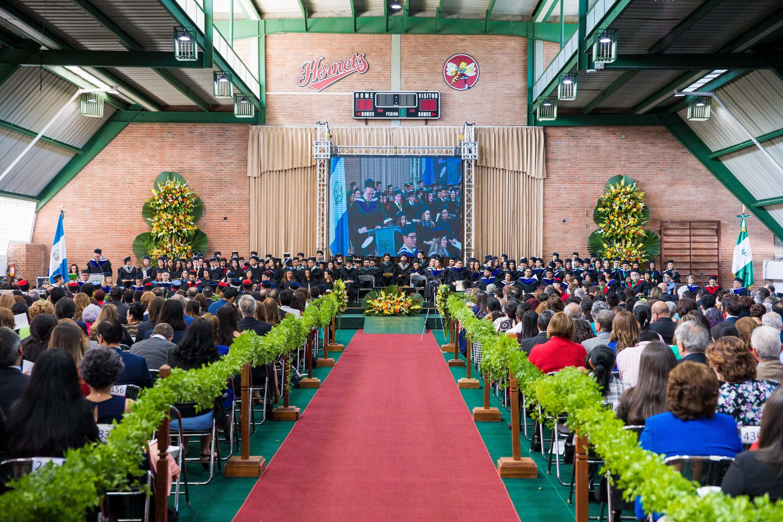 Universidad del Valle de Guatemala gradúa a 118 profesionales