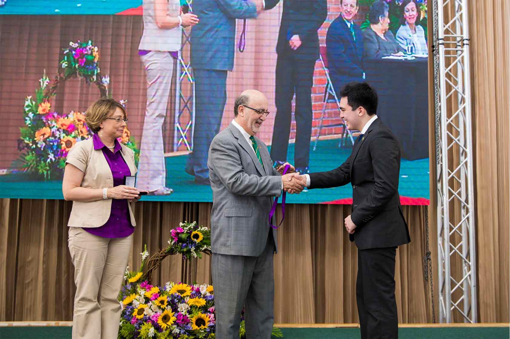 ¿Quién está detrás de la medalla Francisco Nieves Calvo 2019?
