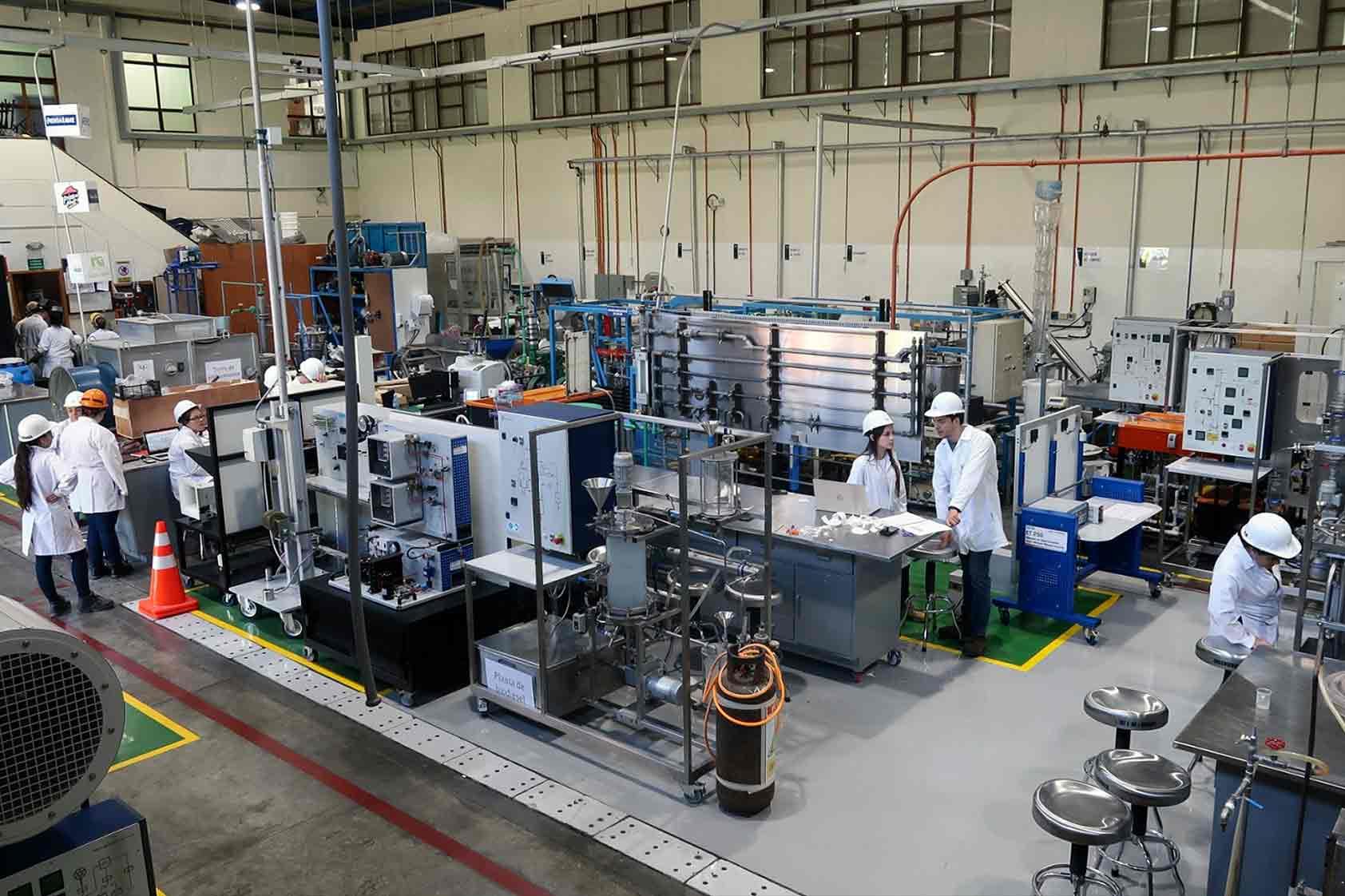 ¿Por qué el Laboratorio de Ingeniería Química de la UVG es uno de los más grandes de Latinoamérica?