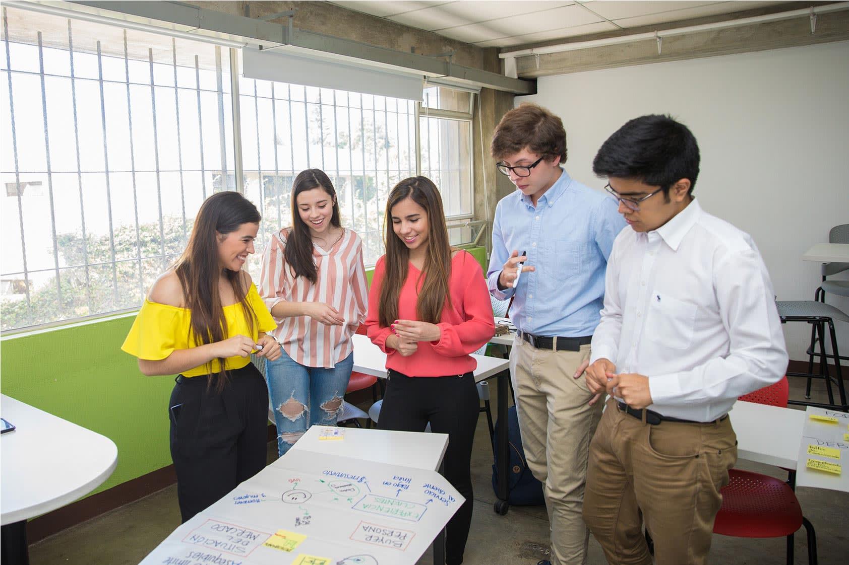 CREA-UVG: el programa que enciende la chispa del emprendimiento dentro de la universidad