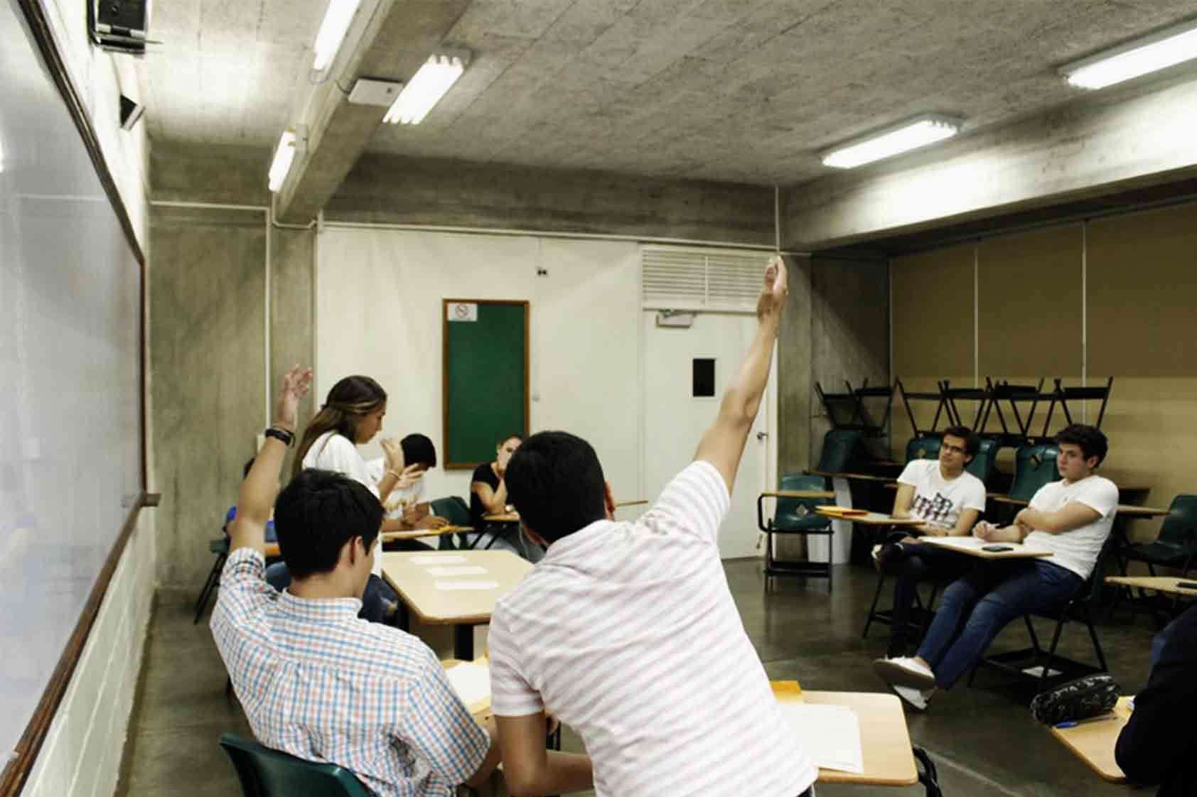 Liga de debates en UVG: cada vez más cerca de ir al mundial