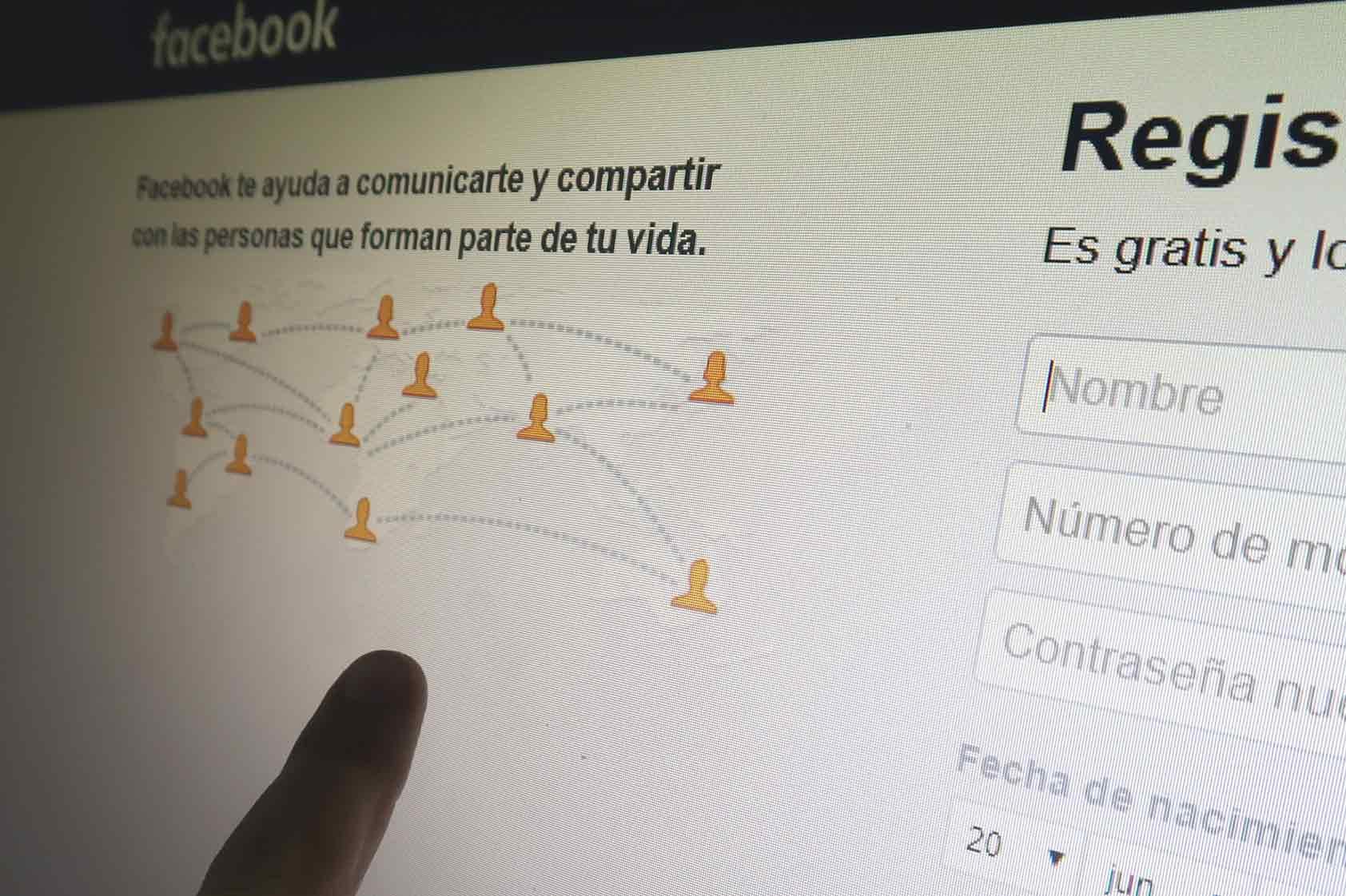 Uso seguro del internet y redes sociales: hacia una ciudadanía digital responsable
