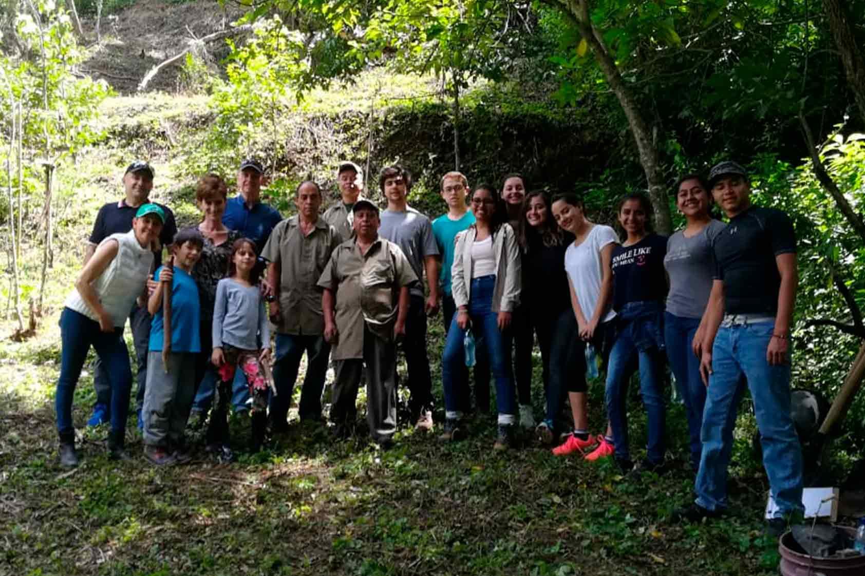 UVG promueve un plan de reforestación -foto12