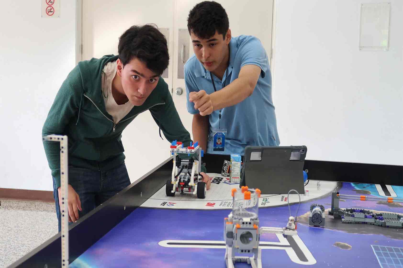 ¿Listos para la competencia Robotiza-T 2019?