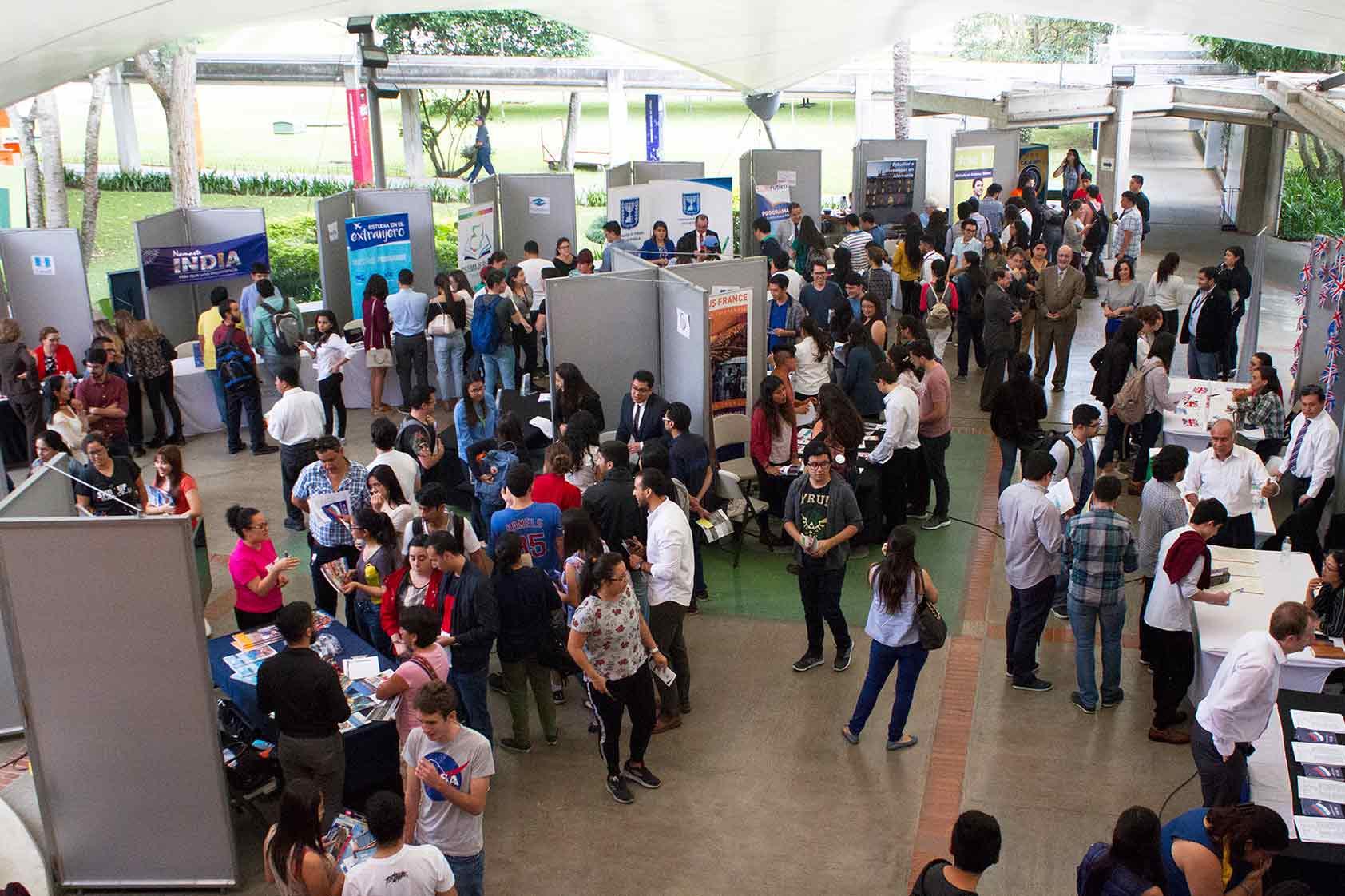 Oportunidades de posgrados y maestrías en la VI Feria de Becas
