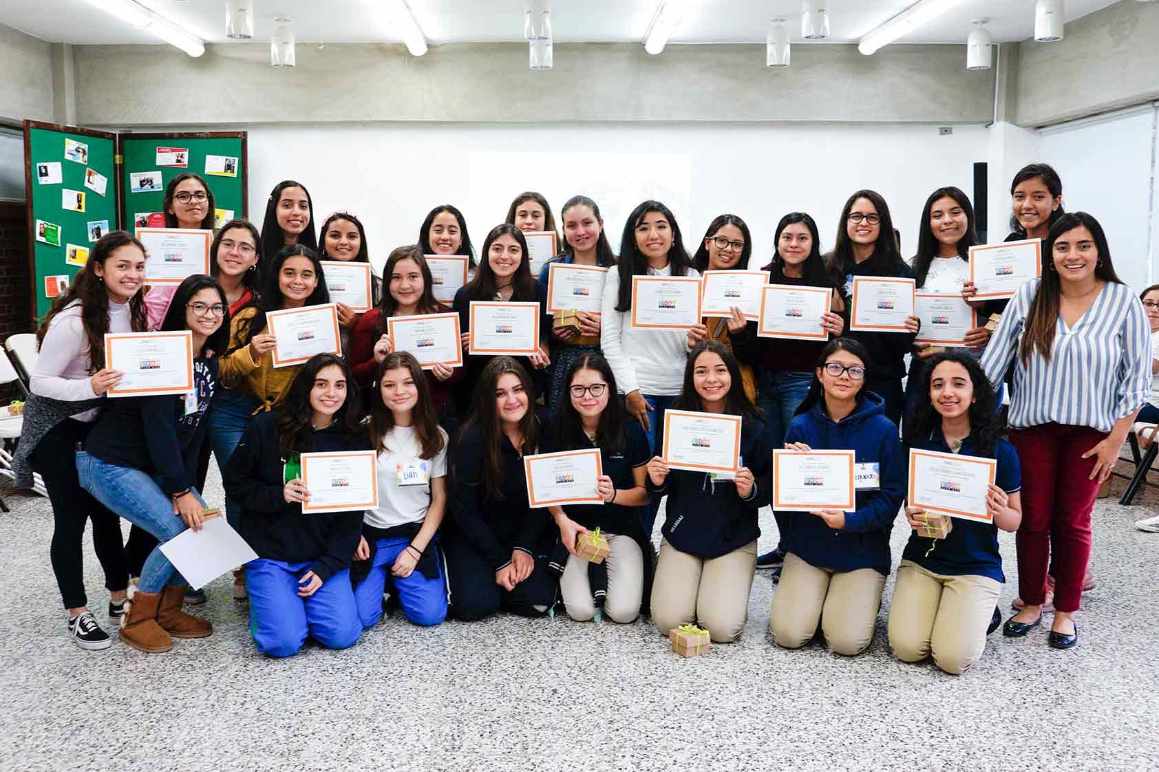 ¡Entusiasmo y mucha inspiración en el cierre del primer Girls STEAM Club UVG!