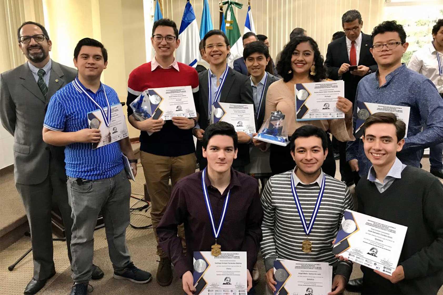 Estudiantes logran notable participación en la Olimpiada Interuniversitaria de Ciencias y Tecnología