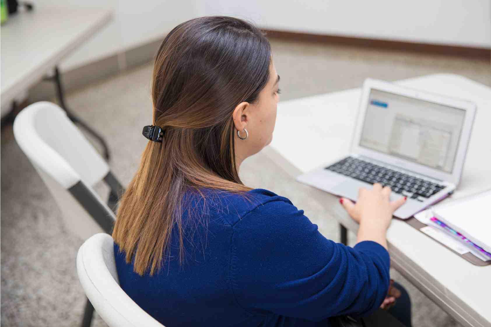 ¿Trabajar o recibir clases en casa es nuevo para ti? En UVG te compartimos 10 consejos