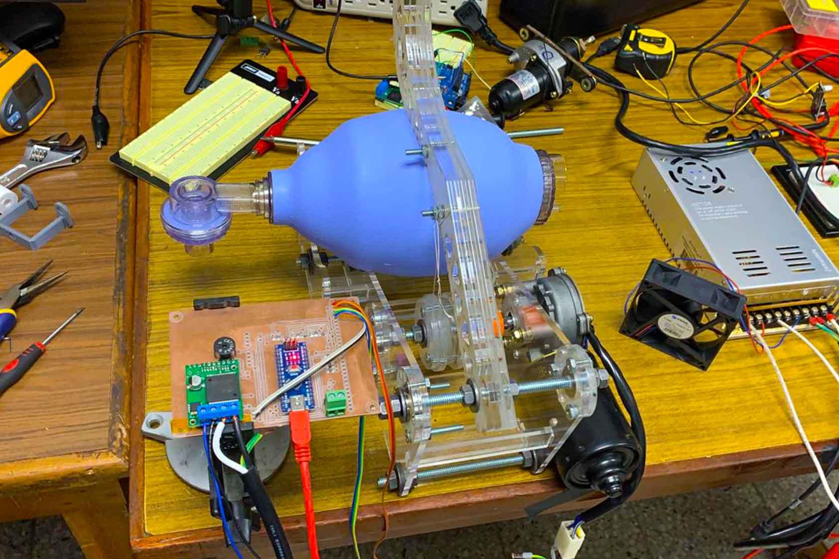 En UVG desarrollamos una máquina de ventilación automática