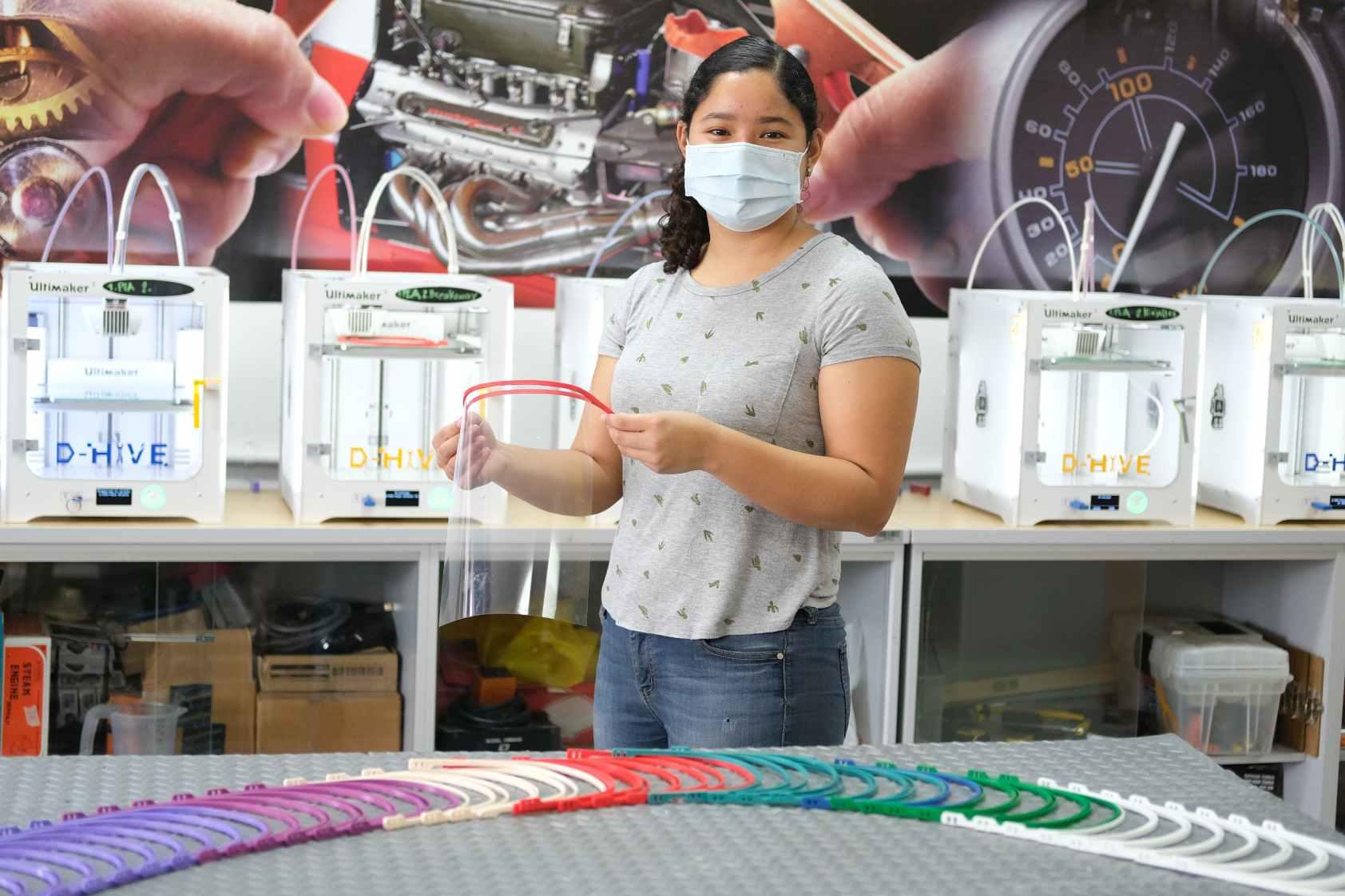Nos unimos a la comunidad maker imprimiendo marcos para carretas de protección