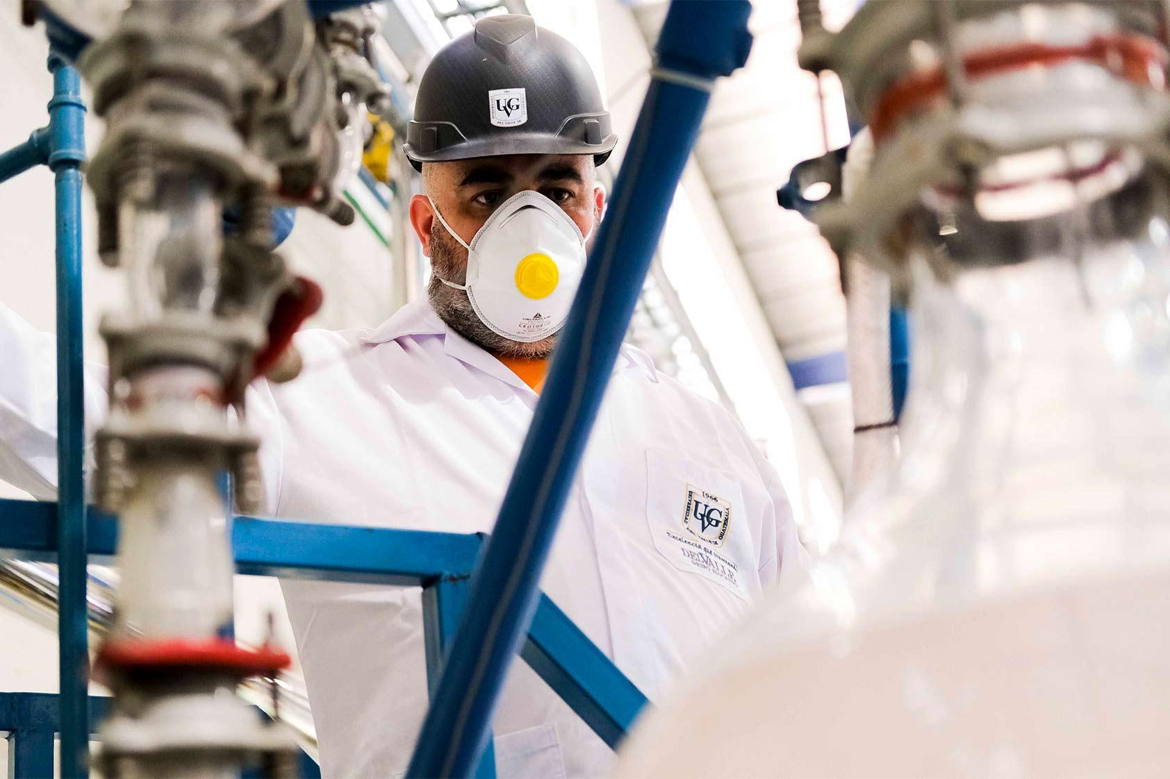 Gamaliel Zambrano: una vida de excelencia y pasión por la ingeniería Química y la Biotecnología
