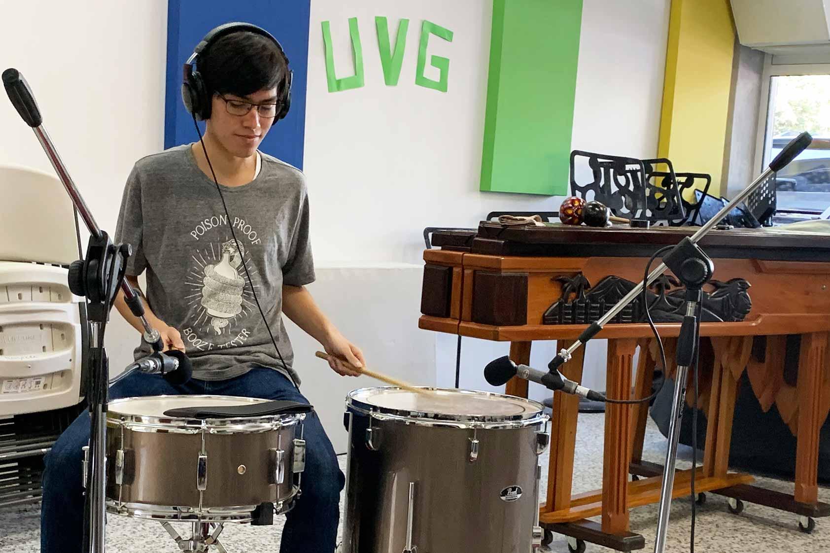 André Avalos, estudiante de Ingeniería Civil Ambiental