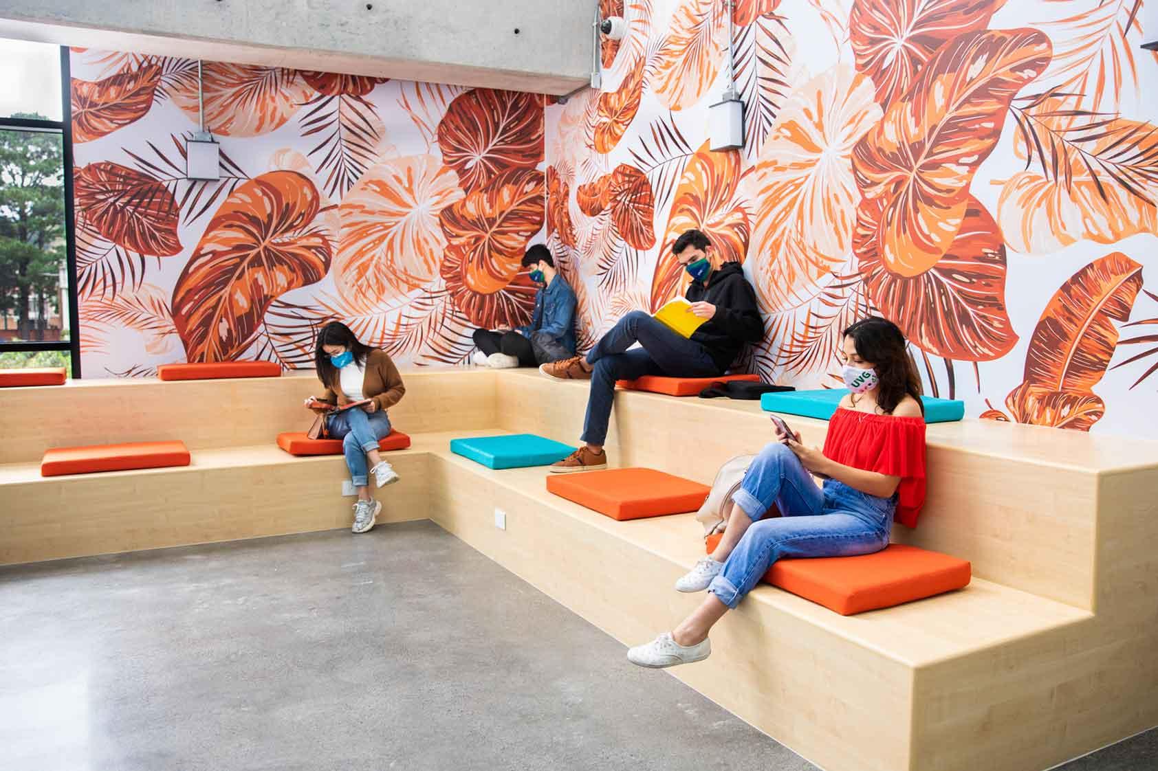 La Sala de Pensamiento Creativo se dedica al Arq. René Frederic Ossaye Olivotto