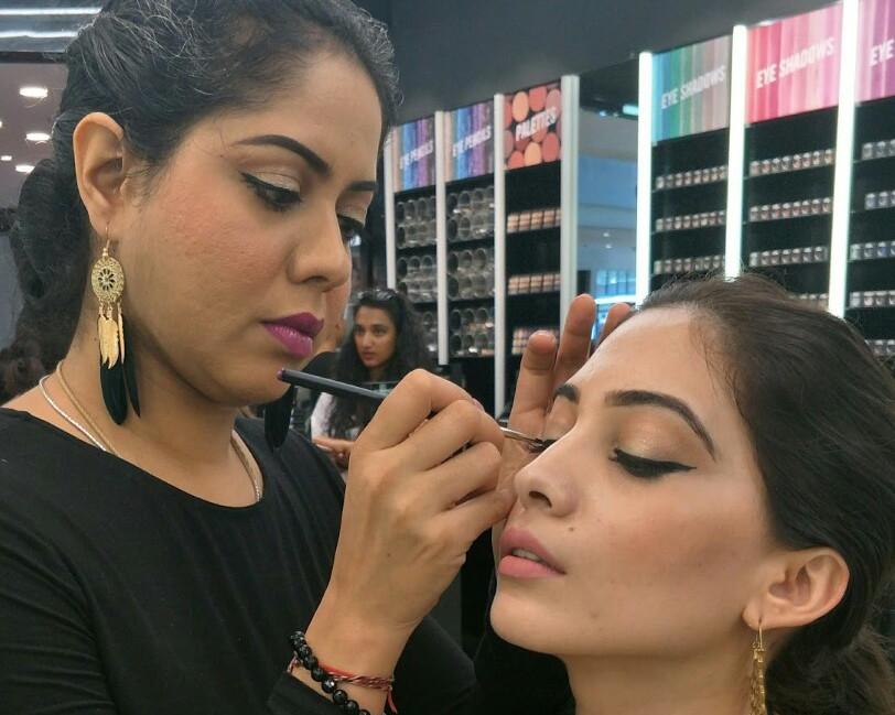 makeup classes near me