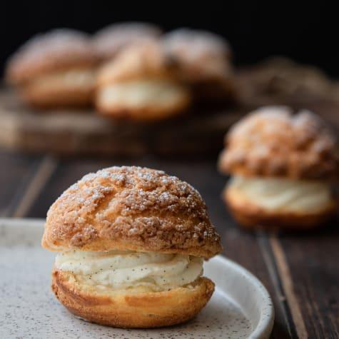 valrhona.asia/recipe/small-vanilla-cream-choux-buns
